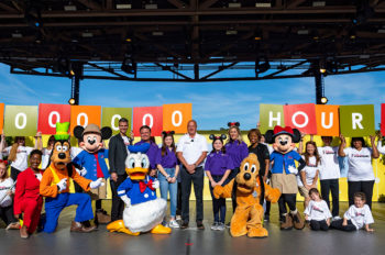 Disney and Points of Light Celebrate 'Family Volunteer Day'